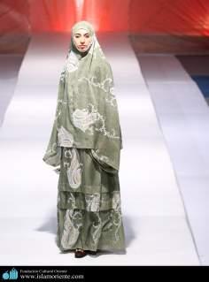 Mujer musulmana y desfile de moda - 36