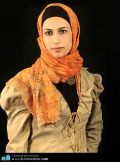 Modelo muçulmana em uma seção de fotos