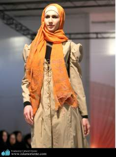 Mujer musulmana y desfile de moda - 13