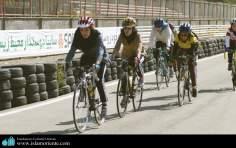 رياضة ركوب الدراجات للنساء المسلم