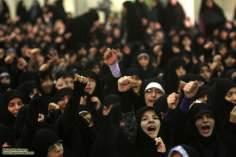 Mulheres participando discurso do Líder supremo do Irã, Aiatolá Khomenei