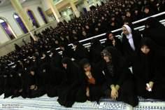 مسلمان خواتین اور معاشرہ - ایرانی خواتین حجاب کے ساتھ سماجی سرگرمیوں میں شریک