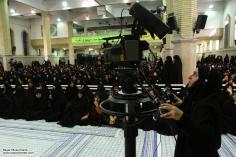 Femme musulmane en hijab et son travaill- 9