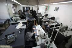 Mujer musulmana y taller del trabajo
