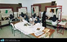 イスラム教の女性のアートとカーペット織りの工房 - 60