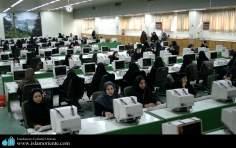 La società delle donne musulmane-Lo Hijab della donna musulmana e le attività socio-culturali