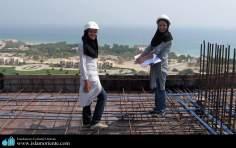 Femmes musulmanes ingénières dans leur lieu de travail