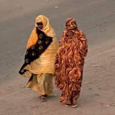 مسلمان خاتون - آفریقی خواتین اپنے قومی اور اسلامی حجاب میں