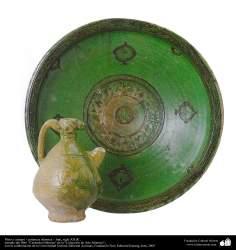 Plate et le lanceur - islamique céramiques - Iran, XIIe siècle.