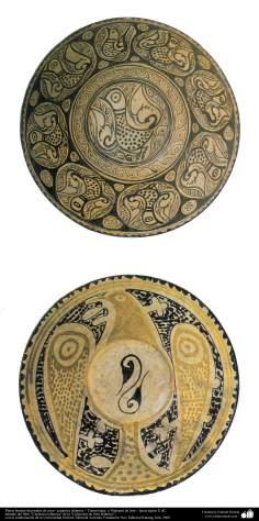 هنر اسلامی - سفال وسرامیک اسلامی - بشقاب تزئین شده با نقش پرنده - ماوراءالنهر و ایران ، نیشابور - قرن پانزدهم - 3