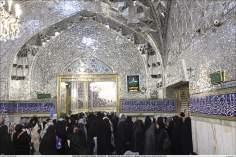 Attività religiosa delle donne musulmane-La preghiera collettiva nella corte (Sehn) ricoperta di specchi nel santuario di Imam Reza (P)-Mashhad(Iran)-72