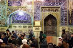 اسلامی معماری - شہر مشہد میں امام رضا (ع) کے مزار میں دیواروں پر فن کاشی کاری سے سجاوٹ، ایران - ۴