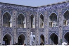 اسلامی معماری - شہر مشہد میں امام رضا (ع) کے روضہ اور مزار میں فن کاشی کاری (ٹائل)، ایران - ۱۷