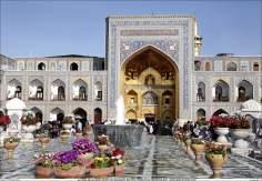المعمارية الإسلامية - منظر من صحن الذهبي الحرم الإمام رضا (ع) في المدينة مشهد - إيران - 22