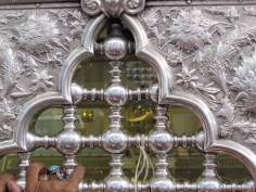 Una vista interna del santuario de la Sra. Zaynab (p) en Siria- Damasco