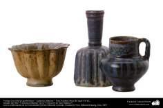 Vasijas con relieves geométricos – cerámica islámica –  Irán, Kashan, fines del siglo XII dC.