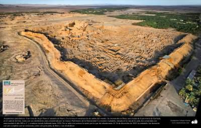 Arquitectura preislámica- Una vista de Arg-é Bam (Ciudadela de Bam). Era la mayor construcción de adobe del mundo año-  500 aC - 38