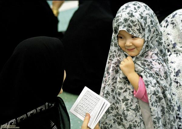 niña musulmana y hijab - Hiyab - 244