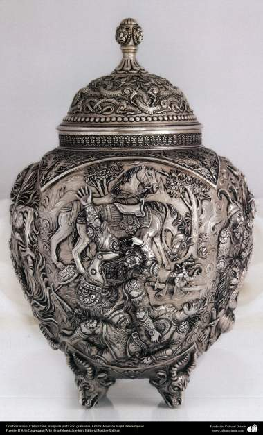 Ourivesaria iraniana (Qalamzani), Vaso de prata com gravura. Artista - Mestre Majid Bahramipour - 189