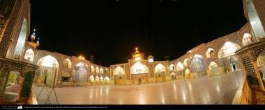 Arquitectura Islámica- Vista nocturna de un patio del Santuario de Fátima Masuma en la ciudad santa de Qom