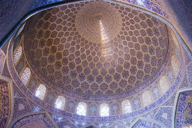 Islamic Architecture - Interior view of the dome of the mosque Sheikh Lotf Allah (or Lotfollah) - Isfahan - Iran (9)