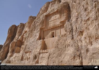 L'architecture pré-islamique - Vue partielle de Naqsh-e Rustam (le portrait de Rostam), près de Persépolis, Fars - Shiraz - 10