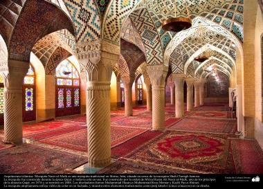 المعمارية الإسلامية - المنظر من المسجد نصیر الملک في شيراز، 1888 - إيران - 6
