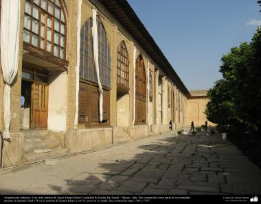 Arquitectura islámica-Una vista interna de Arg-é Karim Khan (Ciudadela de Karim Jan Zand),Shiraz,Irán, construida en 1766 y 1767 - (15)
