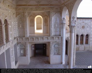 معماری اسلامی - نمایی از خانه تاریخی طباطبایی در شهرستان کاشان . 207