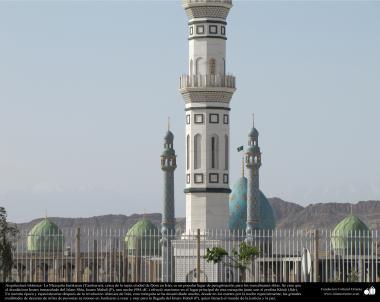 イスラム建築(コム市におけるジャムキャランモスクのヤードとドーム)-135