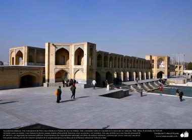 Arquitectura islámica- Pol-e Jayu (kahyu) o Puente de Jayu-Isfahán, construido sobre rio Zayande por el orden de Shah Abbas - 45