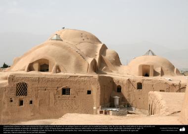 Arquitectura islámica- Vista externa de Bazar tradicional de Kashan (Kachán)- 220