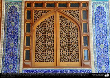 Architettura islamica-Vista di piastrella usata per decorare moschee ed edifici islamici nel mondo(Kashi-Kari)-59