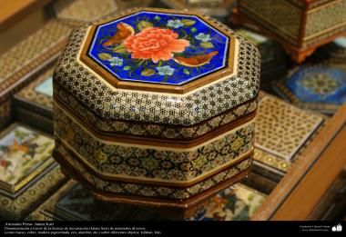 اسلامی ہنر - فن خاتم کاری سے ہاتھ سے سجایا ہوا باکس (ایک قسم کا مرصع جڑنا) ، ایران