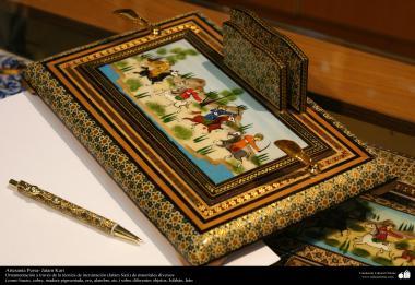 Artesanato Persa - Varios objetos são ornamentados com a arte Khatam Kari (marchetaria e Ornamentação de objetos)