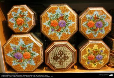 Artesanato Persa - Varios tamanhos diferentes de caixas decoradas - Khatam Kari (marchetaria e Ornamentação de objetos)