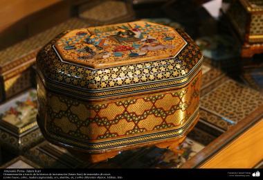 الفن الإسلامي - الحرف اليدوية الإسلامية - فن الخاتم على الخشب (خاتم كاري) – معرق و تزیین الاجسام - اصفهان، ایران - 74