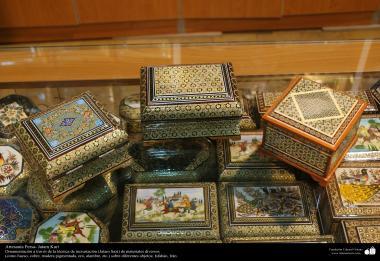 Artesanato Persa - Caixinha ornamentada Khatam Kari (marchetaria e ornamentação de objetos), Isfahan, Irã - 11