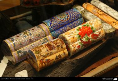 イスラム芸術(工芸品、ラクダの骨の表面の絵画)10