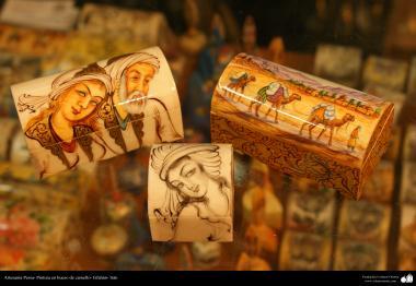 イスラム芸術(工芸品、ラクダの骨の表面の絵画)5