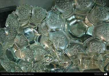 Artesanato Persa - metal em relevo (Qalam Zani) Isfahan, Irã - 7