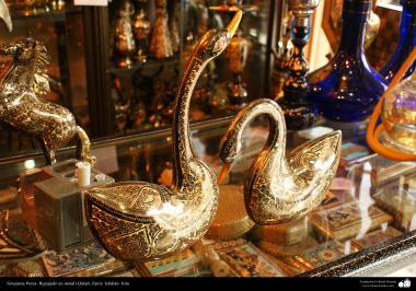 Artesanía Persa- Repujado en metal (Qalam Zani)- 36