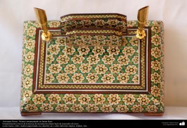 Persisches Kunsthandwerk - Verziertes Tintenfaß in Khatami Kari - 22 - Islamische Kunst - Kunsthandwerk - Einlegearbeit und Dekoration von Objekten (Jatam Kari)