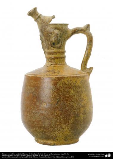 اسلامی فن - مٹی کا پرانا کوزہ ، ایران یا میڈل ایشیا سے متعلق - گیارہویں صدی عیسوی