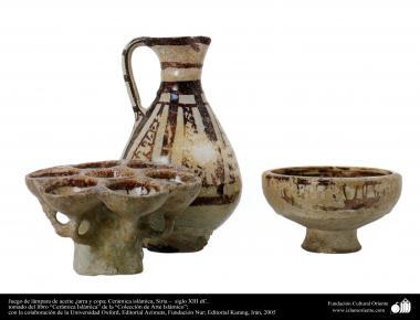 Juego de lámpara de aceite ,jarra y copa; Cerámica islámica, Siria –  siglo XIII dC. (42)