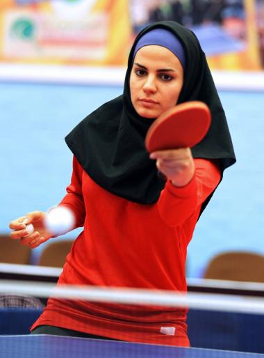 لاعب مسلمة فی لعبة كرة الطاولة