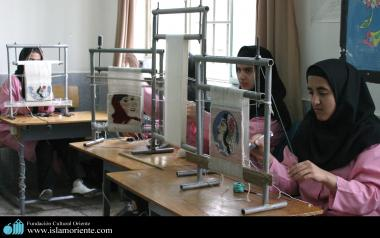 Taller de bordado para mujeres musulmanas en Irán