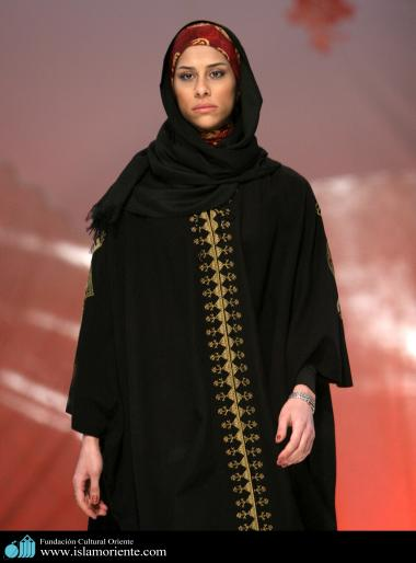 Mujer musulmana y desfile de moda - 17