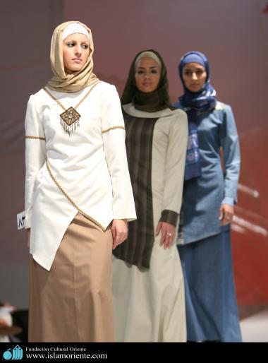 مسلمان خاتون اور حجاب - ایرانی خواتین اسلامی لباس کے فیشن شو میں - ۲۸