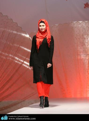 Le donne musulmane e la sfilata di moda-22